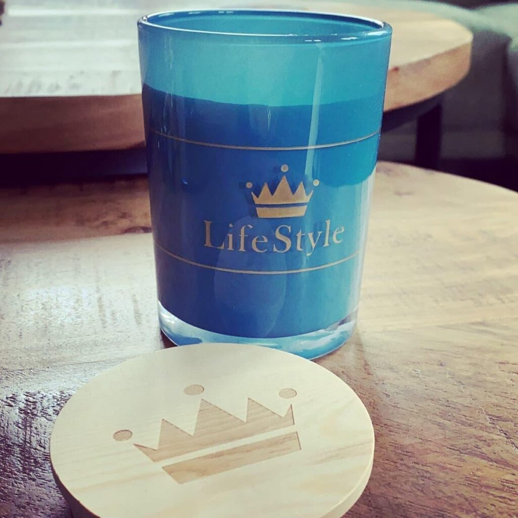 Crown Lifestyle candle – Fresh Linnen